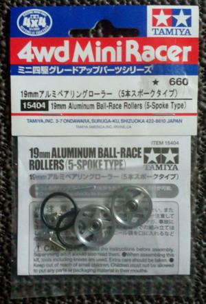 harga Tamiya #15404 19mm aluminum ball-race rollers (5 spoke type) Tokopedia.com