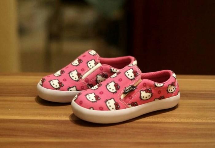 harga Sepatu anak decks karakter hello kitty full Tokopedia.com
