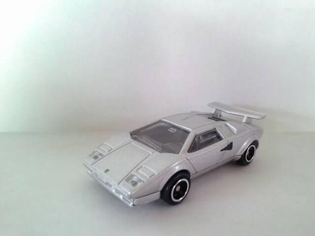 Jual Tomica Lamborghini Countach Silver Maen Gede Tokopedia