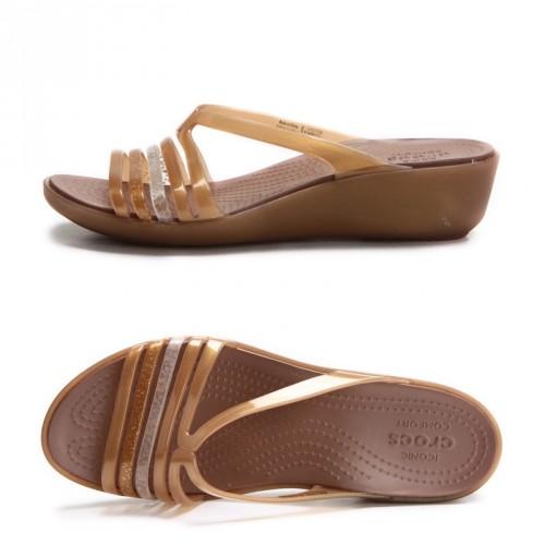 harga Sandal crocs isabella mini wedges Tokopedia.com