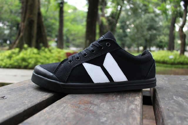 harga Sepatu kets pria macbeth vegan black - free 1pasang kaos kaki #2 Tokopedia.com