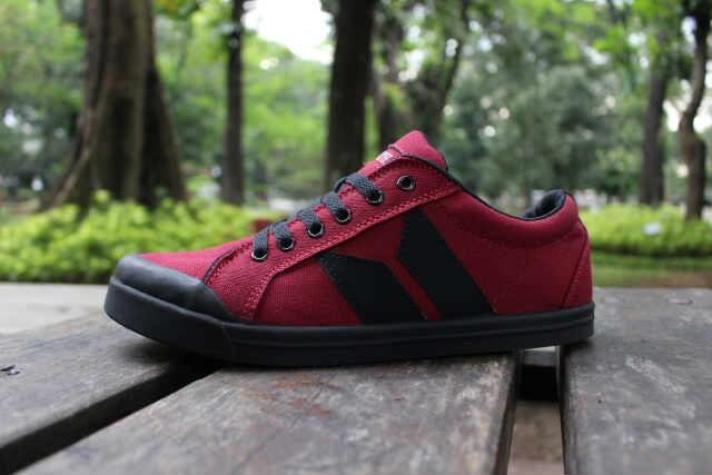 harga Sepatu kets pria macbeth vegan maroon - free 1pasang kaos kaki #1 Tokopedia.com
