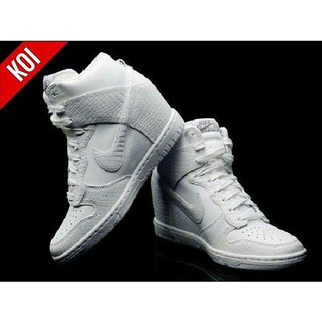 uk availability d6978 c415a Nike Dunk Sky High Croc