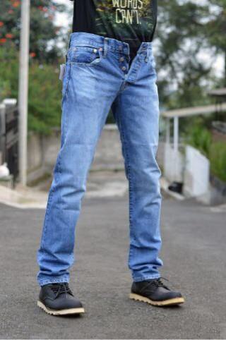 harga Celana jeans levis 501 bioblit scraf / slimfit / original usa Tokopedia.com