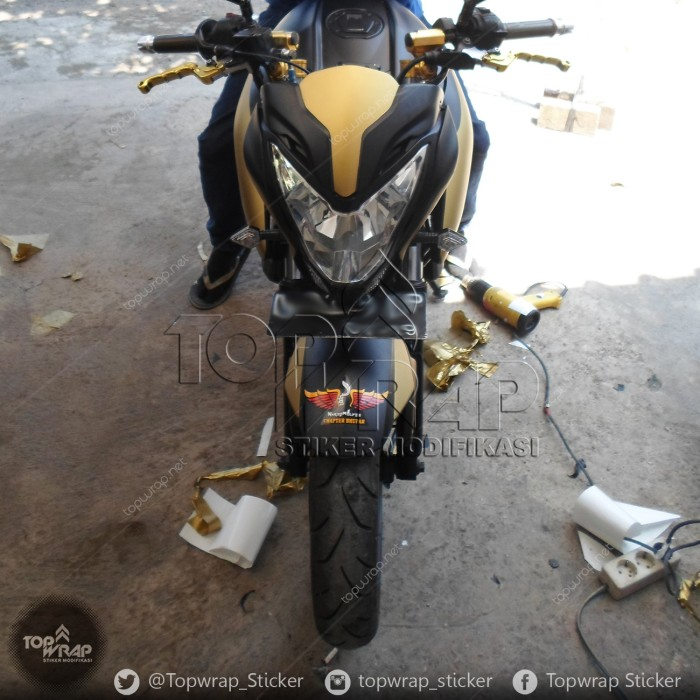 Jual Sticker Motor Pulsar Full Body Hitam Doff Dan Striping Gold Kota Bandung Stiker Modifikasi Tokopedia