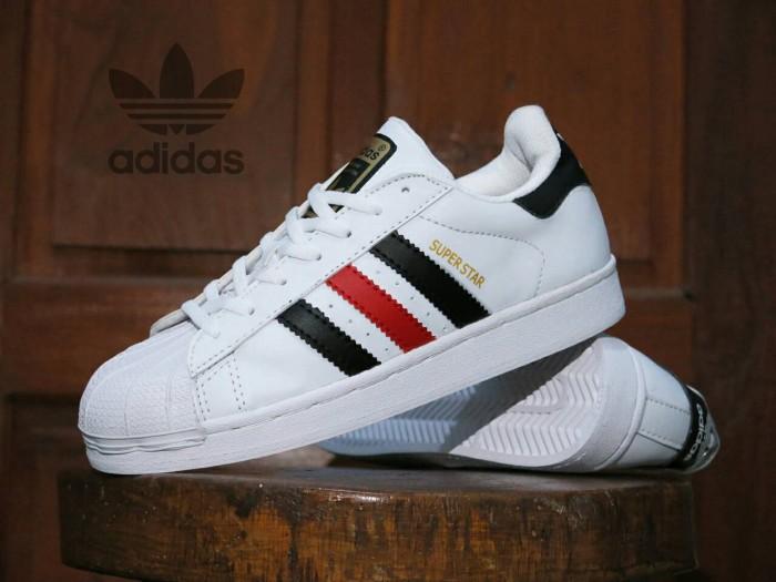 Jual Sepatu Adidas Superstar Putih List Hitam Merah   Casual Cowok ... 6cc4a34b6d