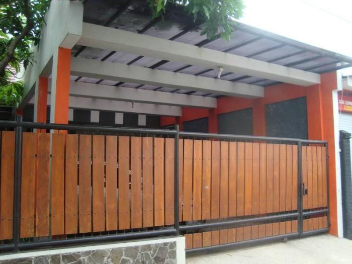 Kombinasi Warna Cat Pagar Besi  jual pagar minimalis besi kombinasi kayu di malang surabaya bali kota malang indosemeru group tokopedia