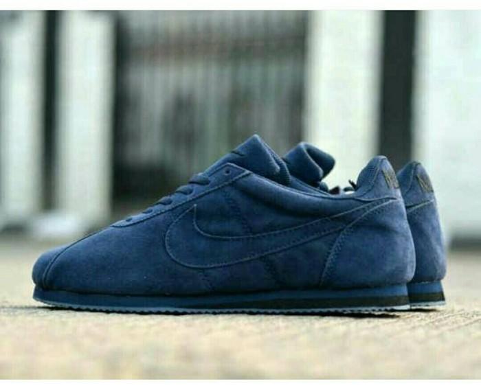 brand new 192e9 a1dd0 Sepatu Nike cortez cholo suede