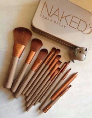 harga Kuas naked 3 isi 12 / kuas naked make up brush kaleng isi 12 Tokopedia.com