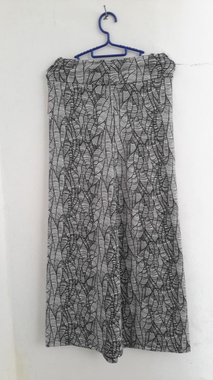 Beishihan Kaos Wanita Panjang Sedang Model Longgar Motif Tulisan Lengan Panjang Warna Putih/Hitam (. Source · Jual Rok Panjang Motif Sulur Hitam Putih ...