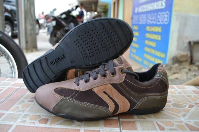 Jual sepatu geox original casual murah banget cuci gudang - toko ... 8e01b8697b