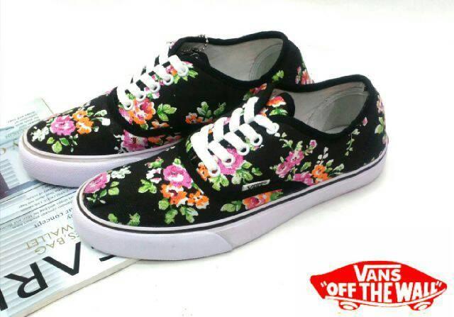 Jual Sepatu Vans Wanita Impor Original Vietnam - naufal world ... 47cee156ec