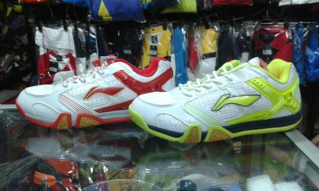harga Sepatu lining saga x sepatu badminton murah Tokopedia.com