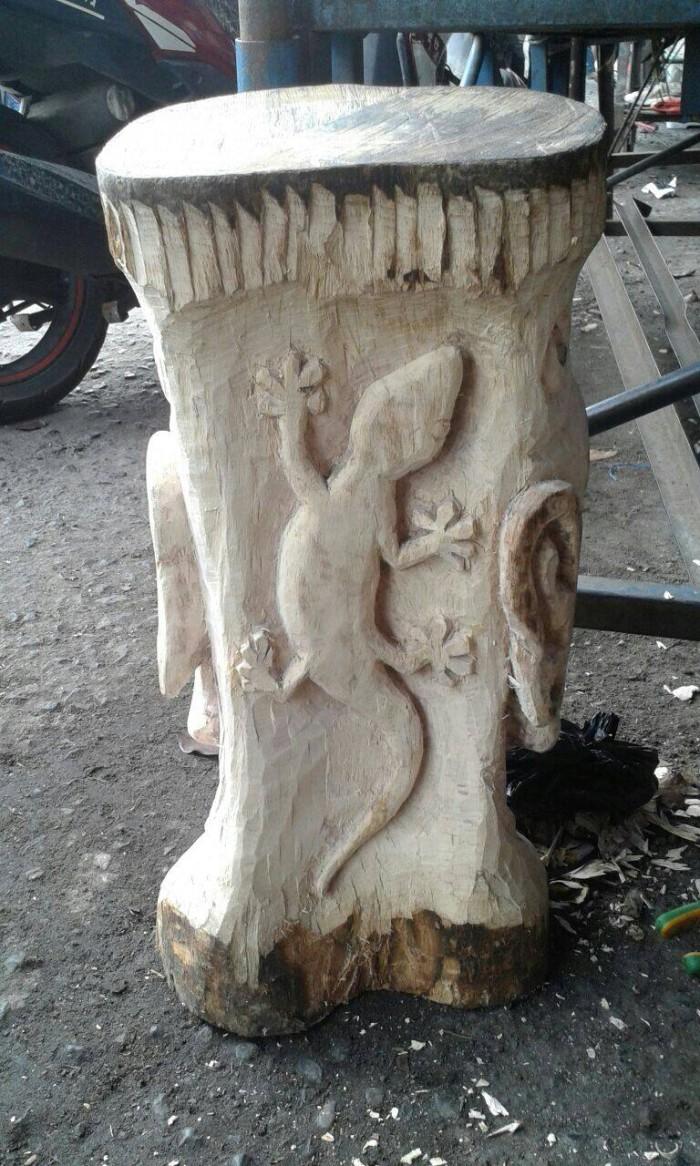 Jual Kursi Dari Batang Pohon Dengan Ukiran Tingggi Kota Bandung Black&Grey