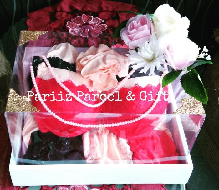 Jual Seserahan Pernikahan Pakaian Dalam Jasa Rangkai Seserahan Kota Malang Pariiz Parcel And Gift Tokopedia