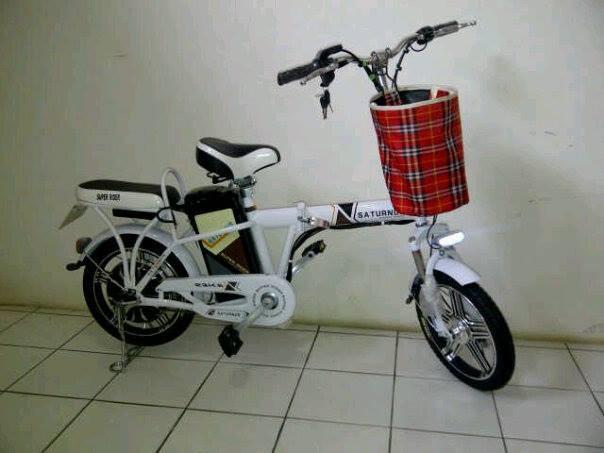harga Sepeda listrik bisa di lipat saturnus murah super rider Tokopedia.com