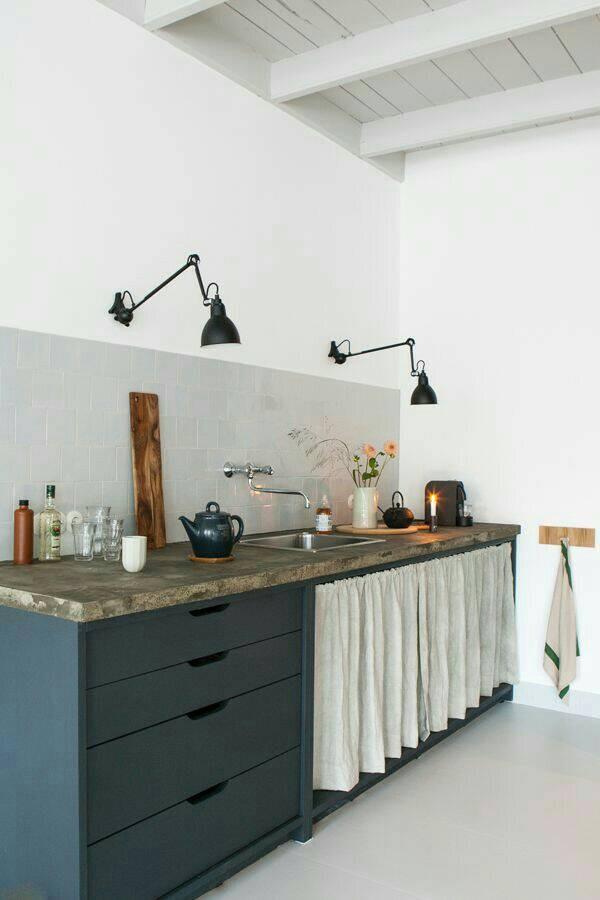 Tirai Meja Dapur