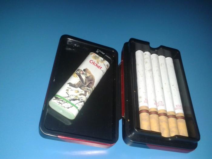 ... Tempat Kotak Rokok Kaleng Motif Timbul Barcelona Gold Daftar Source kotak rokok Djarum Super Unik