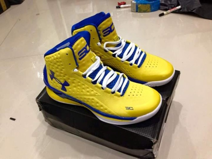 Jual obral ! SEPATU BASKET UNDER ARMOUR CURRY 1 KUNING SIZE 42 46 ... 7a447272c3