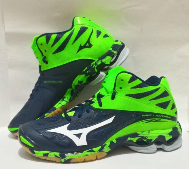Jual Sepatu Olahraga Volley Mizuno Wave Lightning Z2 Mid Sepatu Voli ... aaee15354b