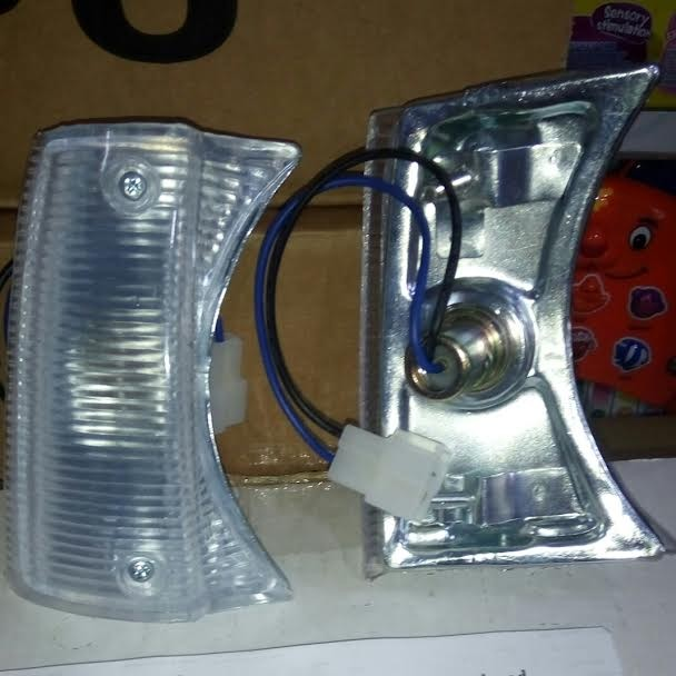212-1534 front corner lamp t. corona rt104