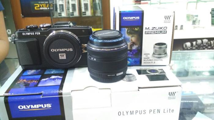 harga Kamera olympus epl7 1442mm + 45mm f1.8 Tokopedia.com