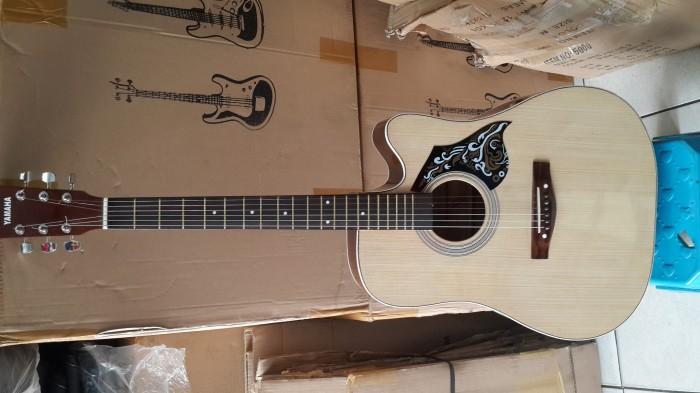 Gitar Akustik Natural Merk Yamaha Murah Buat Pemula Jakarta