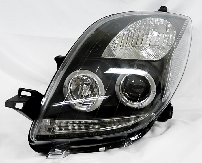 harga Lampu depan - headlamp light projector black - yaris 06-up sonar Tokopedia.com