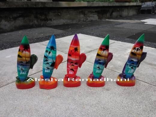 harga Pajangan papan selancar / miniatur surfing / souvenir bali Tokopedia.com