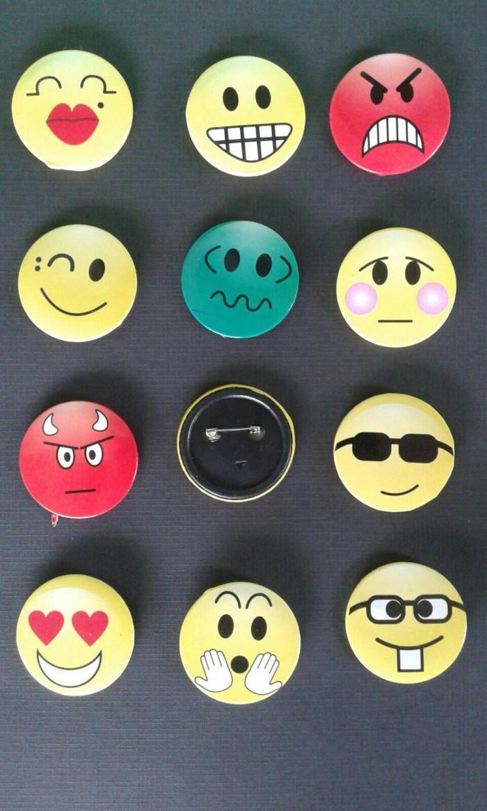 Jual Souvenir Pernikahan Murah Pin Bros Gambar Emoticon Lucu Menarik Jakarta Selatan Souvenir100