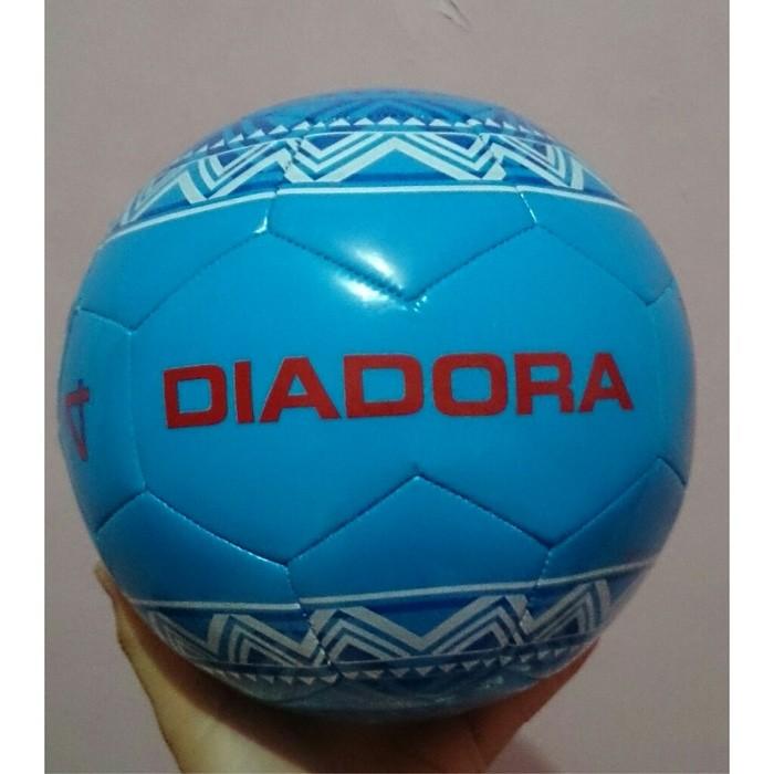 Foto Produk Bola Futsal Diadora Original dari Nico_Shop_Online15