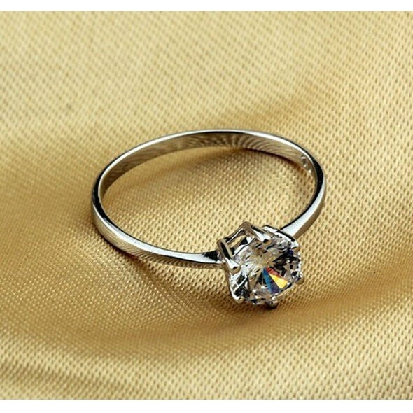 Zircon Six Claw Ring 9 / Cincin Berlian