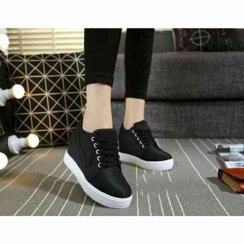 harga Sepatu cewek sneakers casual hitam / wanita korea sekolah / kuliah Tokopedia .
