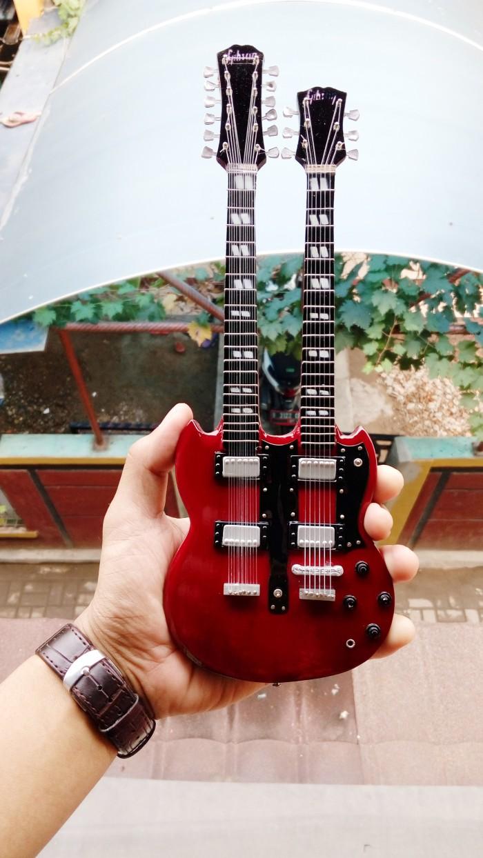 harga Miniatur gitar gibson eds 1275 double neck jimmy page signature Tokopedia.com