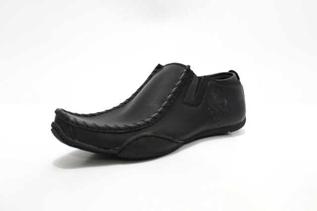 harga Sepatu original blackmaster casual ferrari slop hitam Tokopedia.com