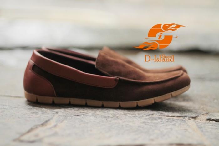 harga Sepatu pria d-island shoes casual slip on loafers comfort dark brown Tokopedia.com