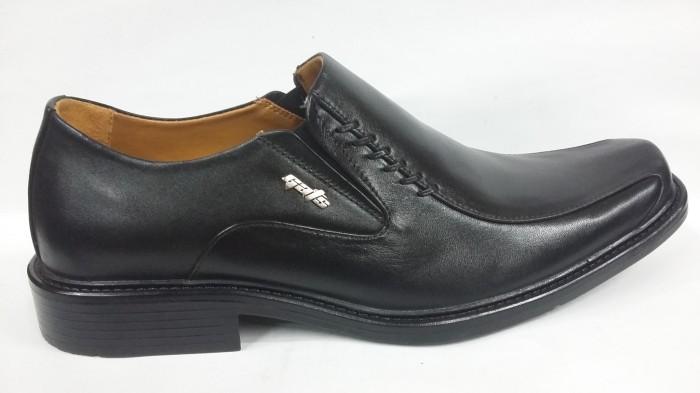 harga Sepatu formal kulit gats 100% jaminan ori  kl1105  black Tokopedia.com
