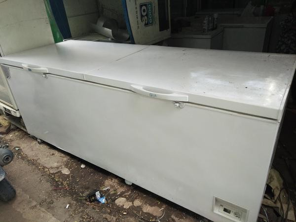Freezer 1200 Liter 2 Door Gea Bekas