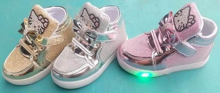 harga Sepatu lampu nyala hello kitty anak bayi baby light shoes boot bot led Tokopedia.com