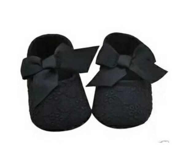 harga Sepatu prewalker bayi renda pita (soft sole) Tokopedia.com