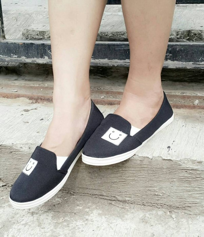 Jual  SALE  Flat Shoes Sepatu Teplek Wanita Murah Smile Hitam ... 8c6a6cd8e1