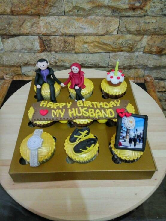 Jual Cupcakes Birthday For My Husband Kue Ultah Suami Kab Bandung Zharifahcupcakes Tokopedia