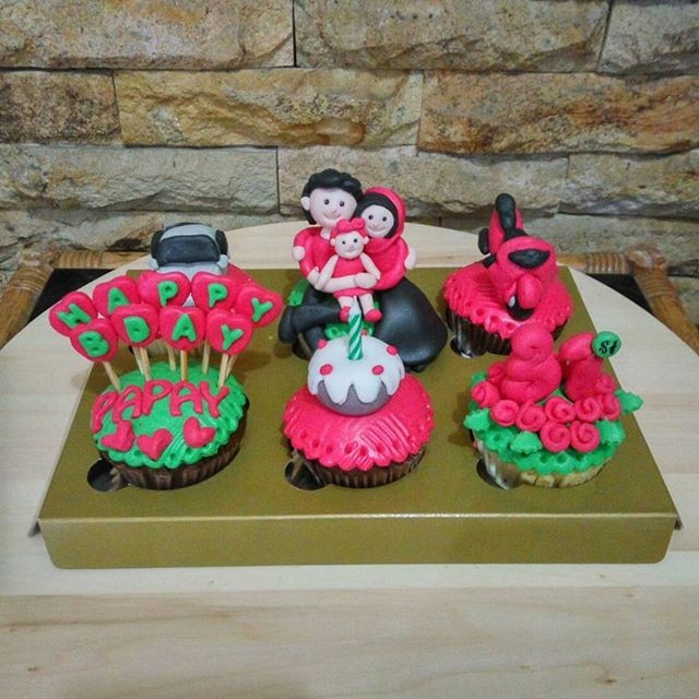 Jual Cupcake Birthday Papah Bday Cake Kue Ultah Suami Kab Bandung Zharifahcupcakes Tokopedia