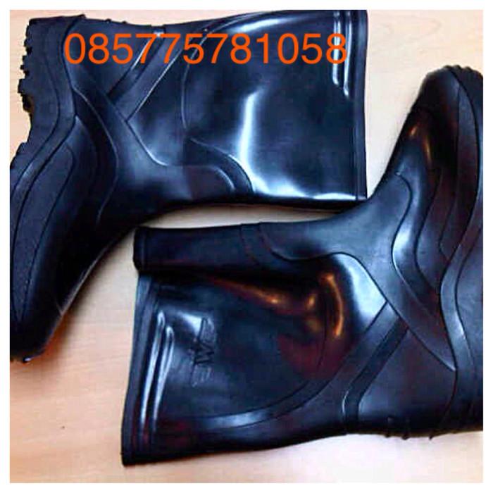 harga Sepatu boot karet safety Tokopedia.com