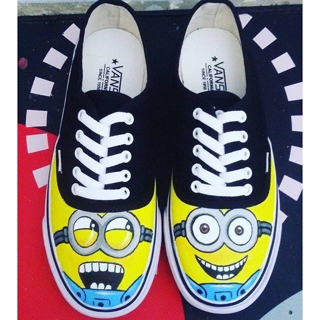 Jual sepatu lukis minion cek harga di PriceArea.com b2e1f4de25