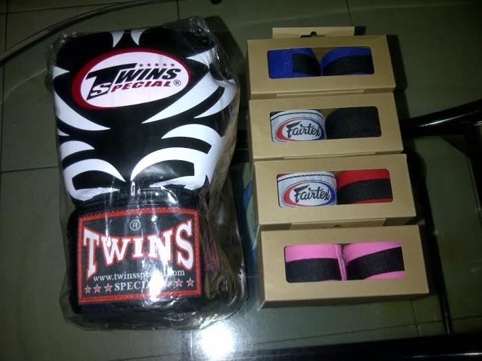 harga Glove,sarung tinju,boxing thai twins + handwrap fairtex sepasang Tokopedia.com