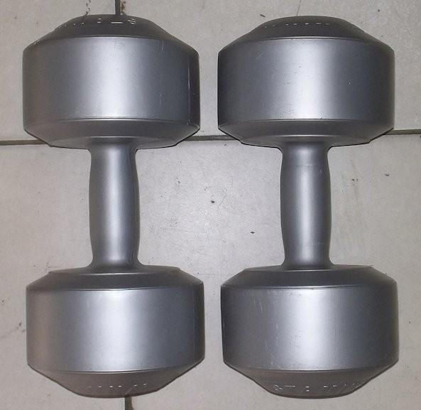 sepasang 8 kg dumble/dumbbell/dumbel/dumbell (bukan barbell/barbel)