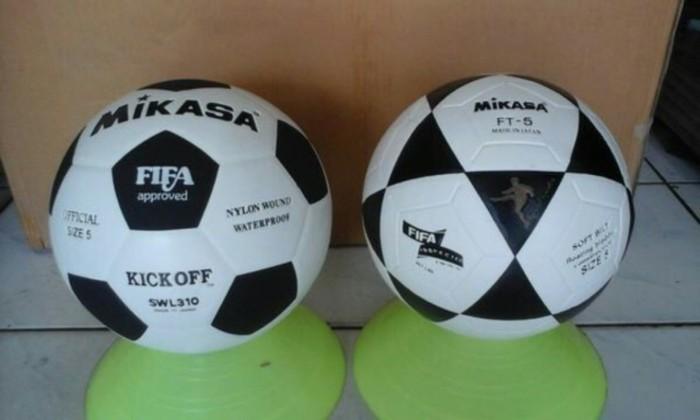 harga Bola kaki mikasa ft5 & k.o Tokopedia.com