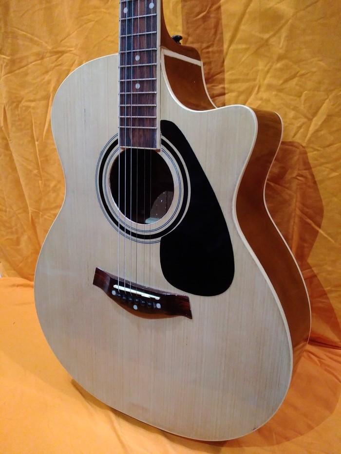 gitar akustik taylor natural