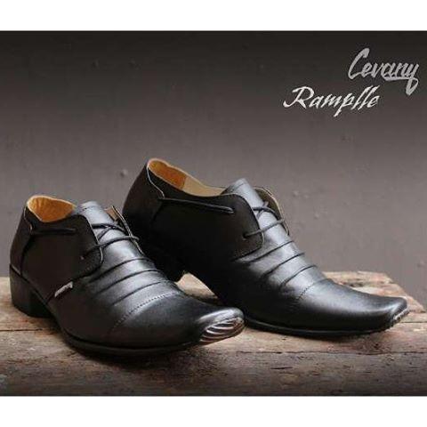 harga Sepatu kerja pantofel kulit cevany pria sepatu formal kantor resmi  Tokopedia.com 63bc89a49e